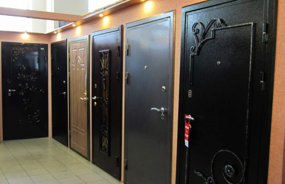 Стоит ли покупать входные двери эконом-класса?